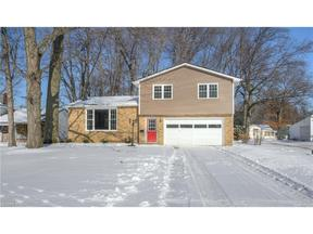Property for sale at 23612 Carriage Ln, North Olmsted,  OH 44070